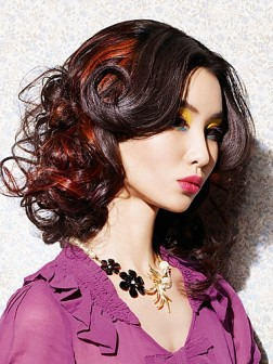 brunnette hair red highlights