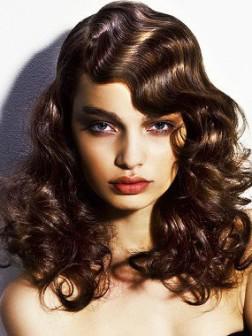 easy wavy medium hairstyle