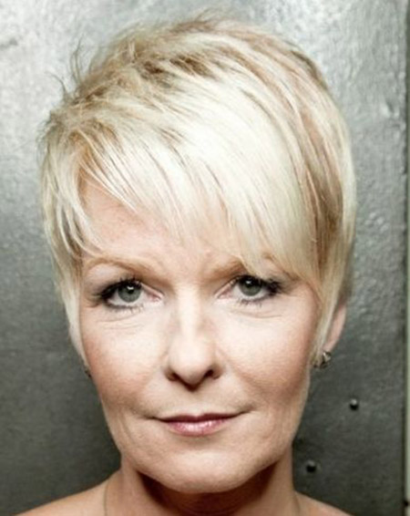 Short Hairstyles for Older Women with Thin Hair