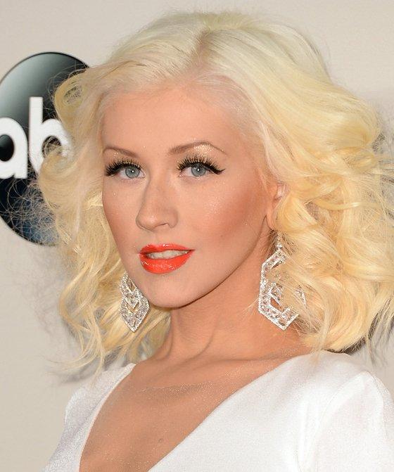 Christina Aguilera bob hairstyles 2014