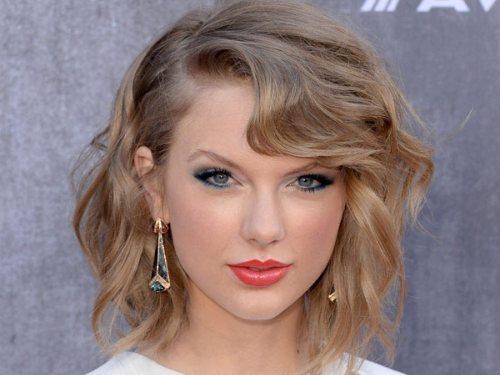 taylor swift ash blonde hair color for summer 2014