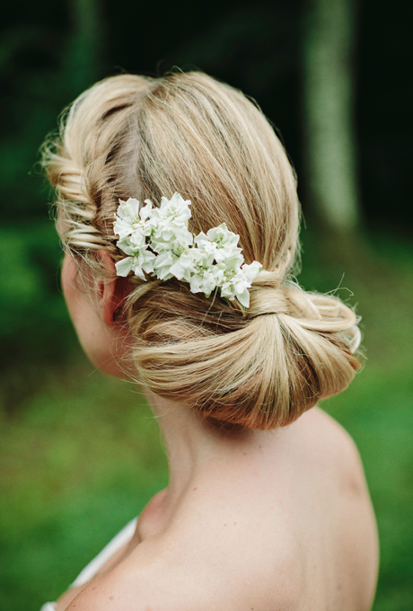 2014 Fall-Winter 2015 bridal hairstyles - brunette fishtail