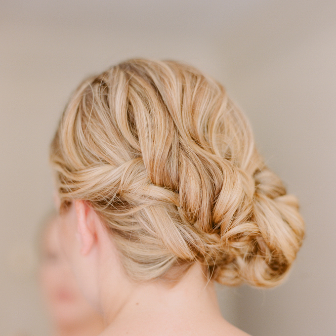 2014 Fall-Winter 2015 bridal hairstyles-messy downdo