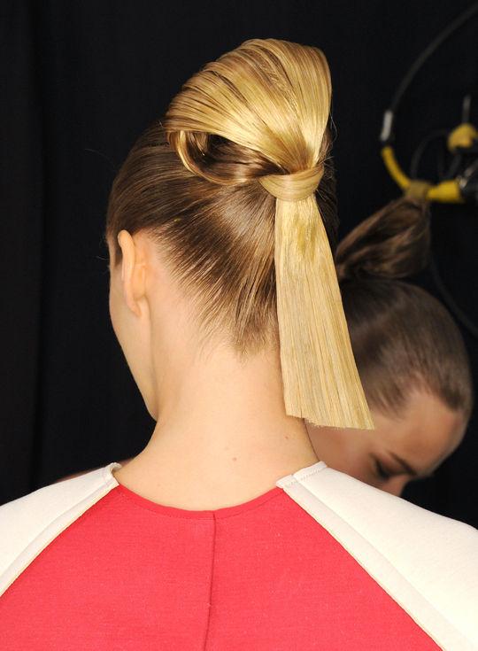 Carolina Herrera NYFW hairstyles 2015 - Blonde Sumo Knot