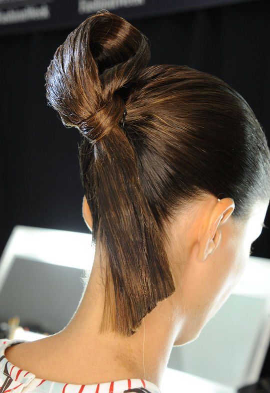 Carolina Herrera NYFW hairstyles 2015 - Brunette Top Knot