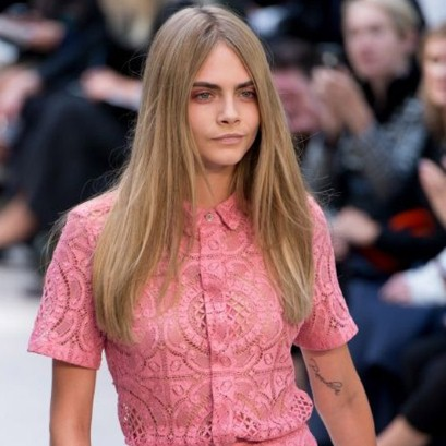 London Fashion Week Burberry Center Parted Hairstyles 2015