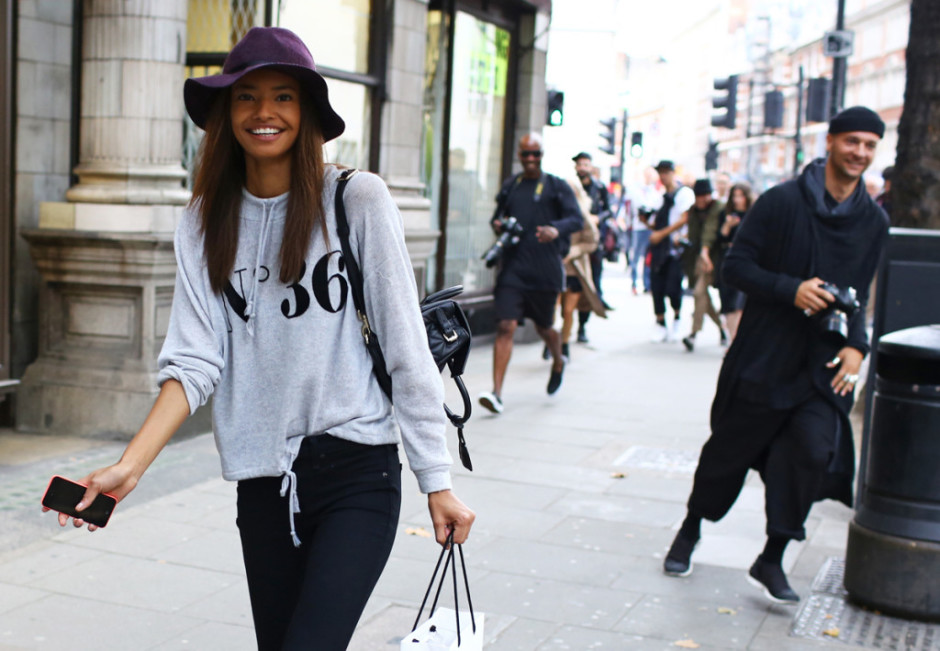 London Fashion Week hairstyles 2015 - street style straight hair with hat