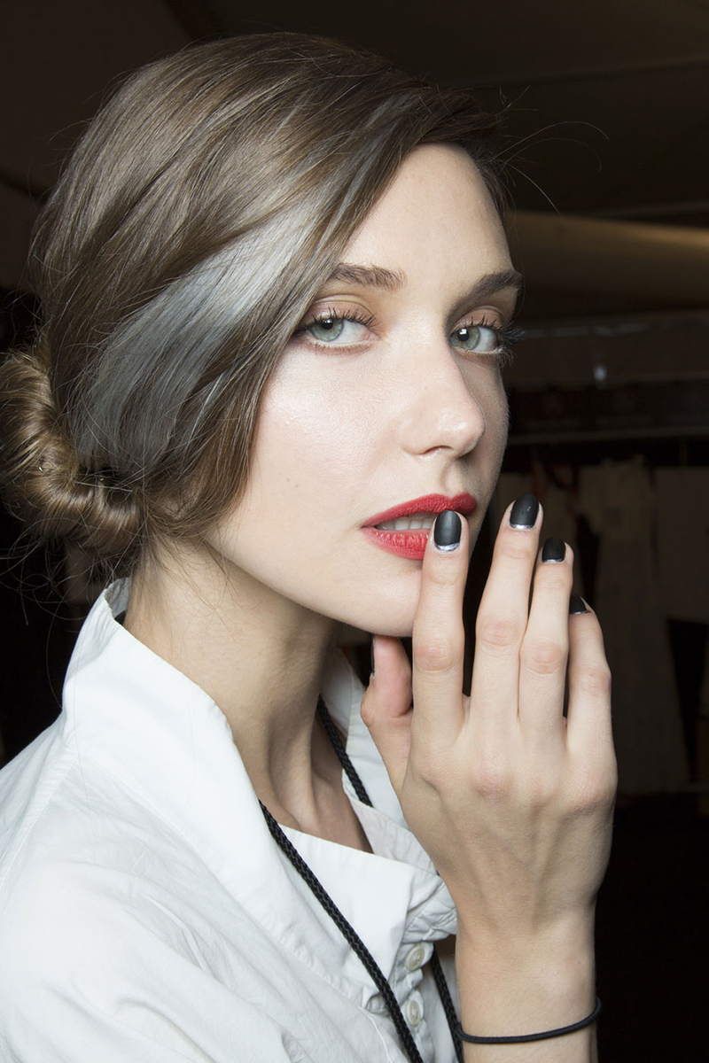 NYFW hairstyles trends 2015 - relaxed downdo