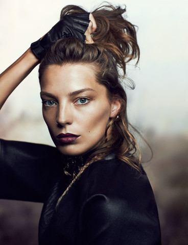 Daria Werbowy brunette hair colors 2015