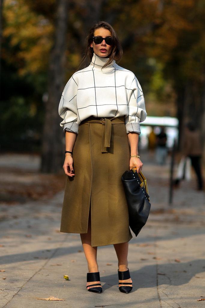 Paris Fashion Week Hairstyles 2015 - Street Style Loose Ponytail