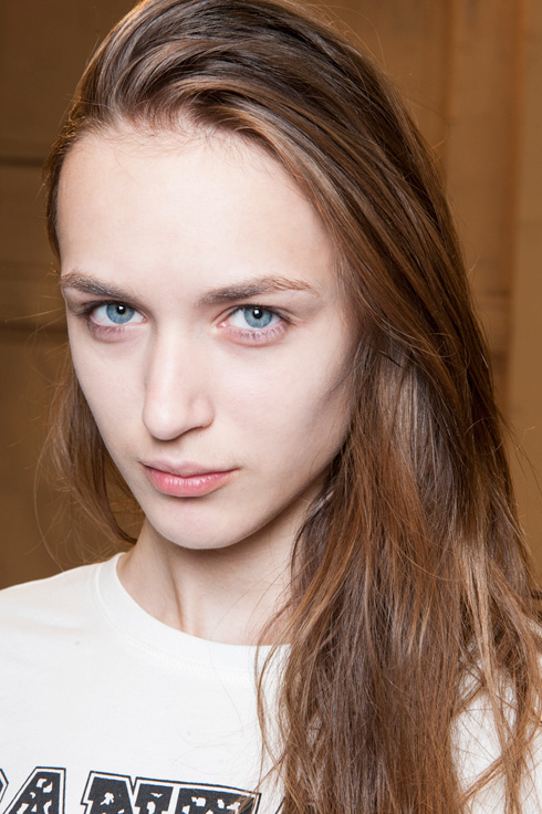 Paris Fashion Week Simple Natural Hairstyles 2015
