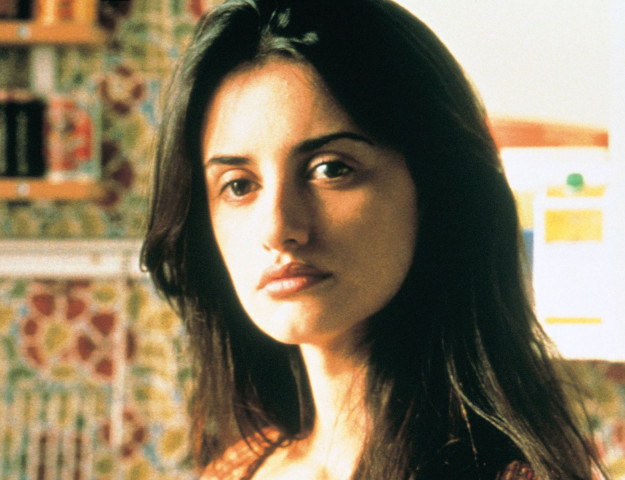 Penelope Cruz hairstyles from All About My Mother