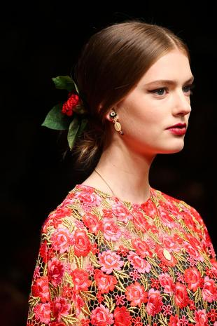 Bun hairstyles 2015 and hair accessories SS15