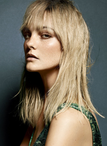 Caroline Trentini hairstyles with bangs 2015