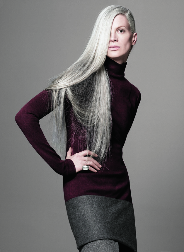 Guido Palau side swept long hairstyles 2015