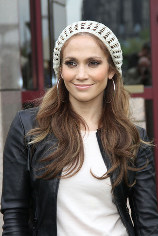 Jennifer Lopez berets and hairstyles 2015