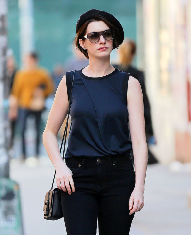 Anne Hathaway beret and hairstyles 2015