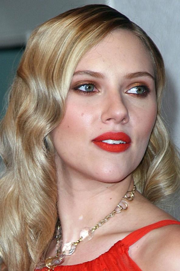 Scarlett Johansson blonde hair colors 2015