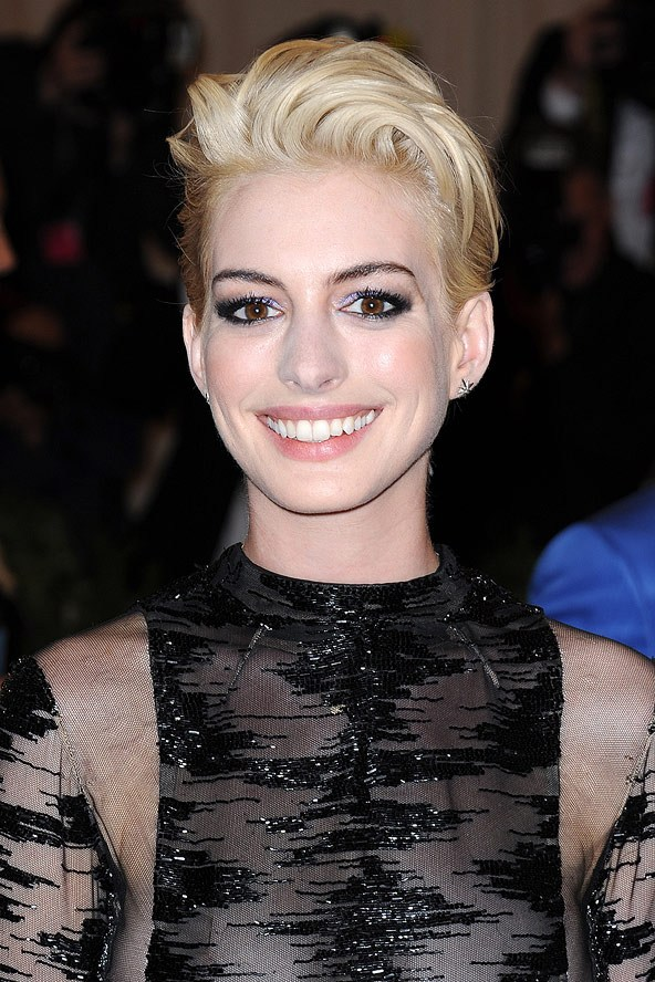 Anne Hathaway blonde hair colors 2015