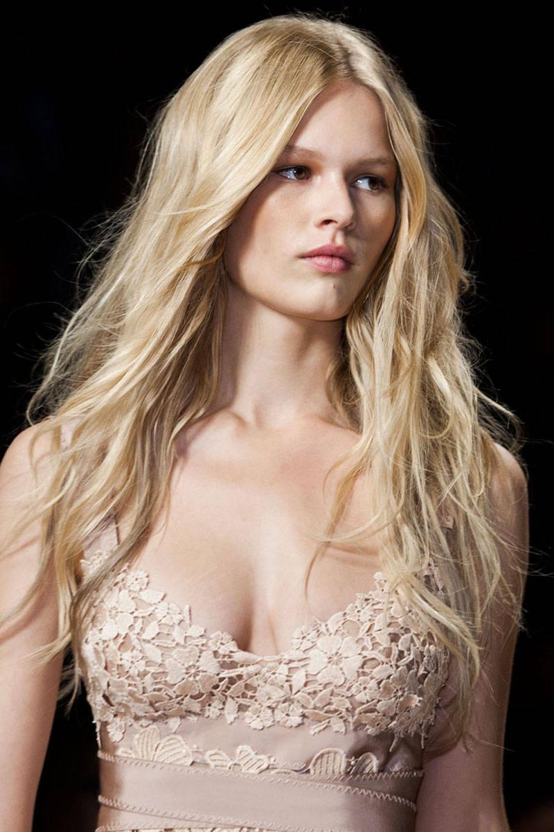 Alberta Ferretti boho waves hairstyles 2015