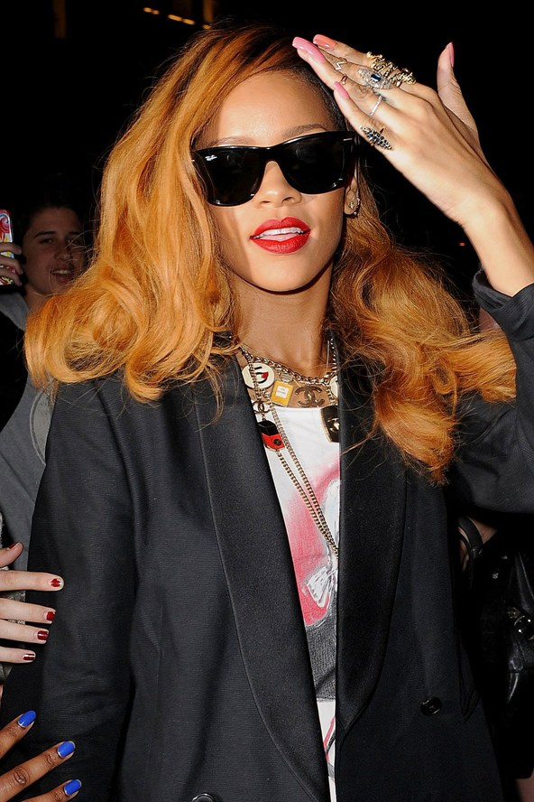 Rihanna loose brown hairstyles
