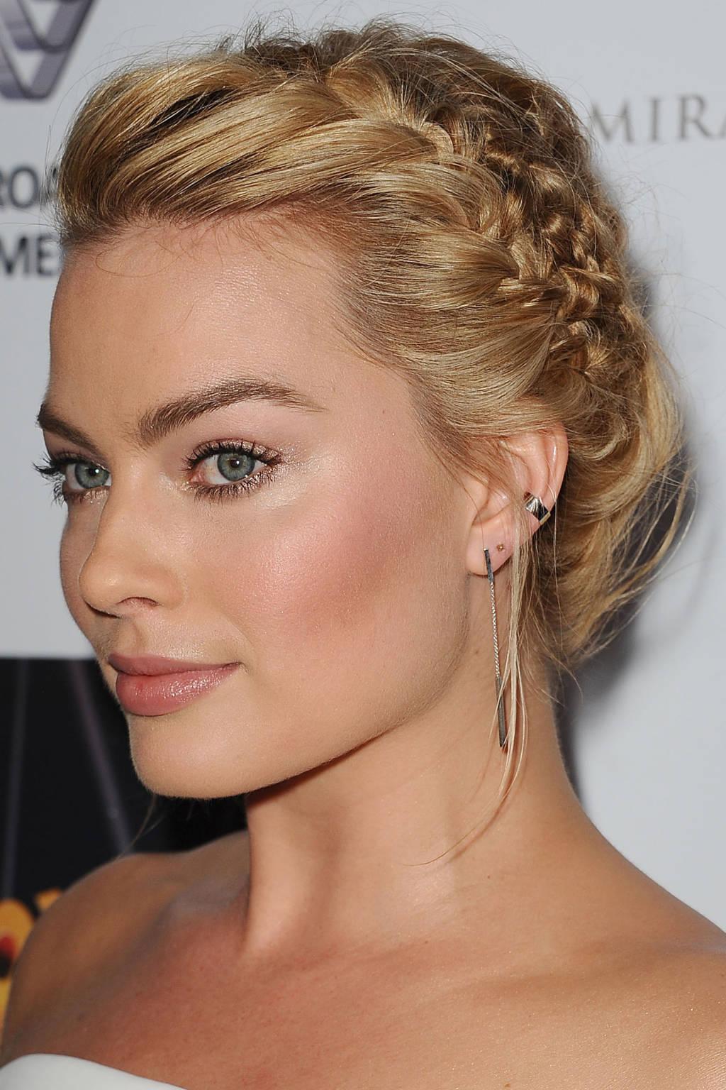 Margot Robbie side braids