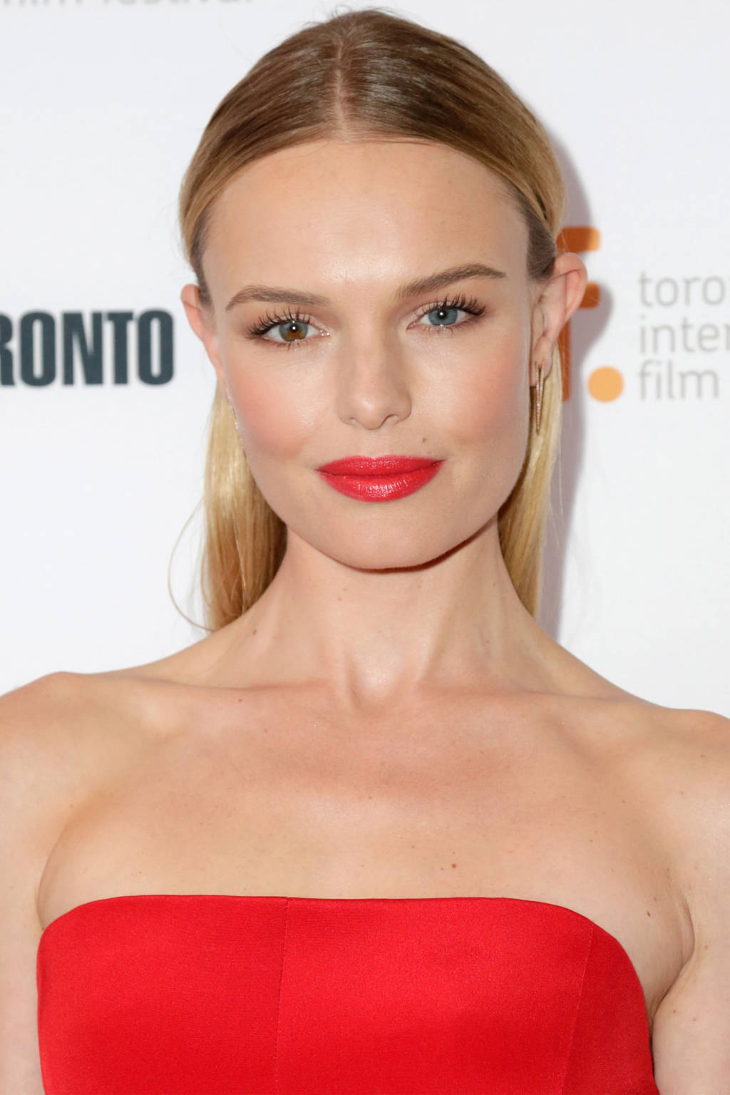 Kate Bosworth center parted hairstyles 2015