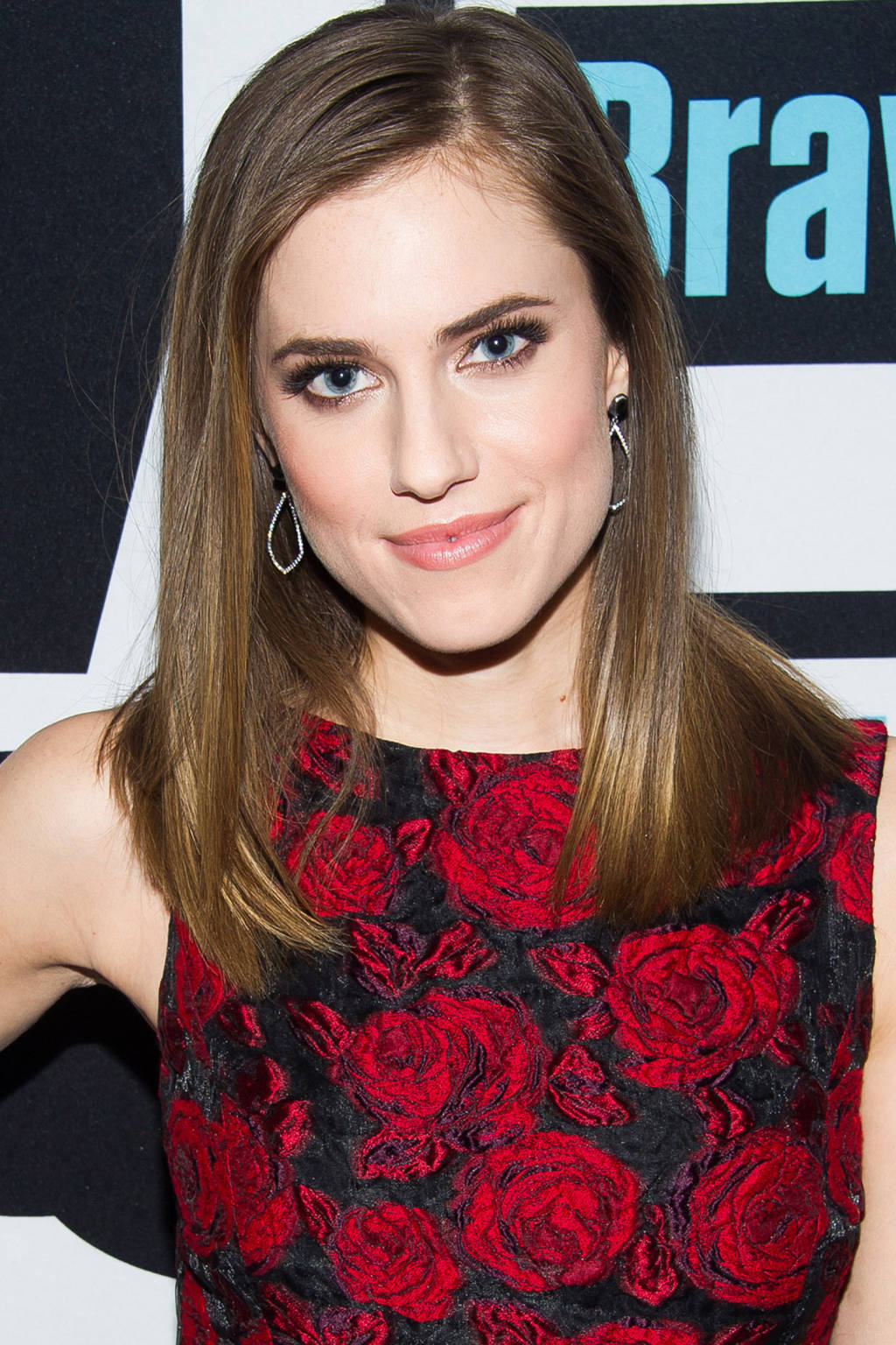 Allison Williams hair colors 2015