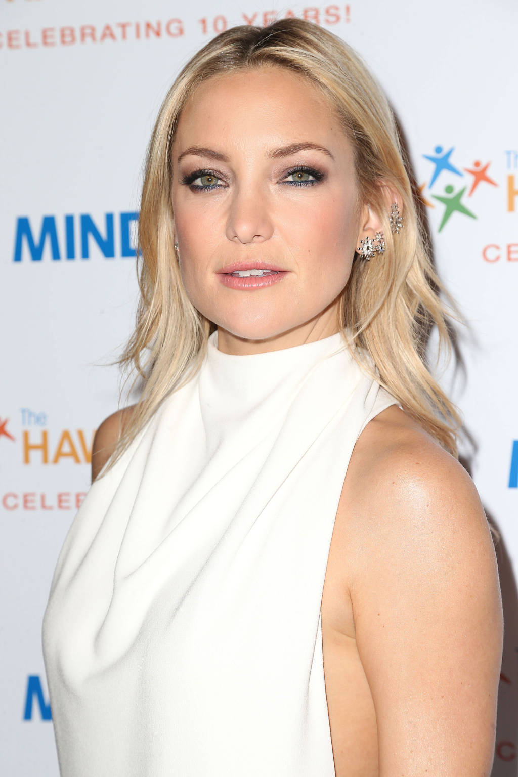 Kate Hudson blonde hair colors 2015