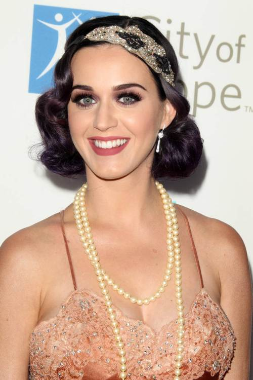 Katy Perry Vintage New Year hairstyles 2015