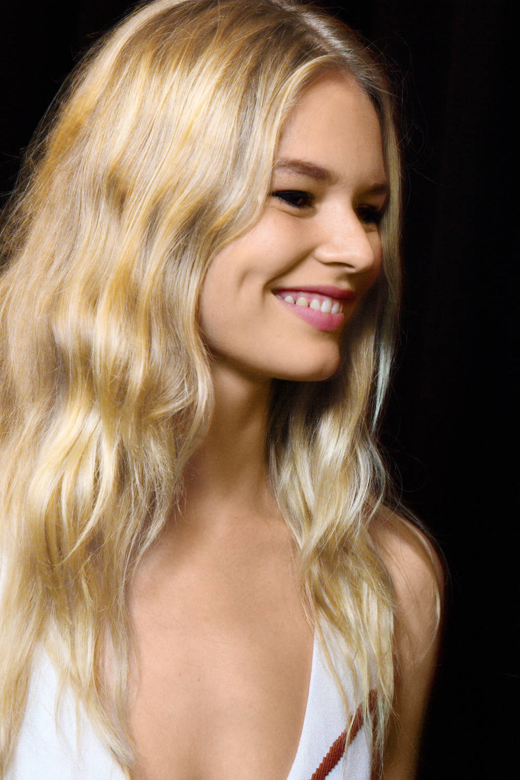 Narciso Rodriguez Beach Waves Hairstyles 2015