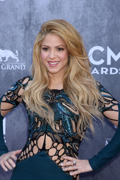 Shakira long wedding hairstyles 2015