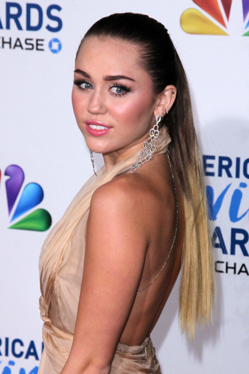 Miley Cyrus Diverse Short Hairstyles for Spring 2015 | Hairstyles 2017 ...