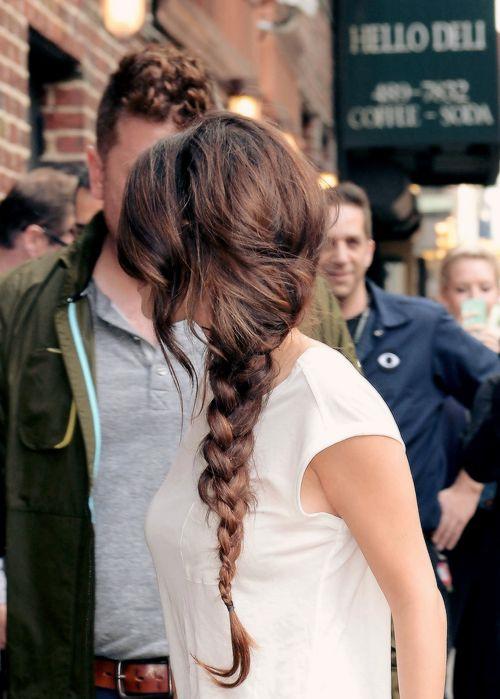 selena gomez celebrity hairstyles for spring 2015