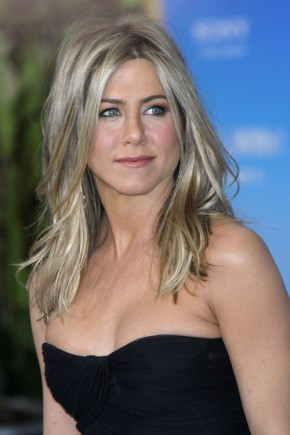 Jennifer Aniston medium hairstyles 2015