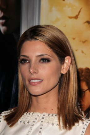 Ashley Greene medium straight hairstyles 2015