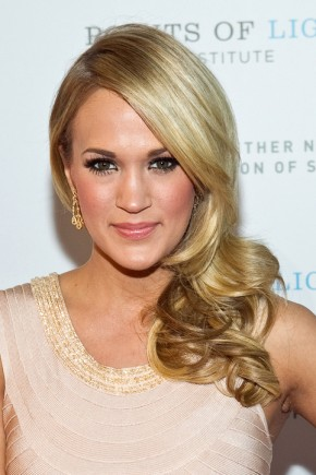 Carrie Underwood celebrity curly hairstyles 2015