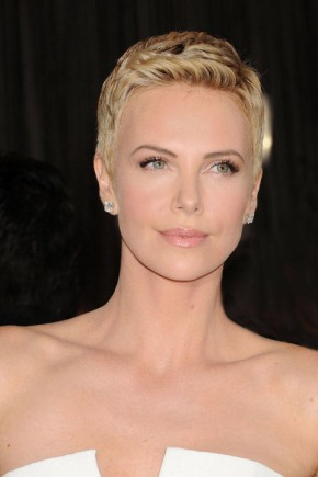 Charlize Theron pixie haircuts 2015