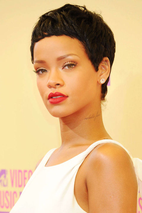 Rihanna Haircut 2015