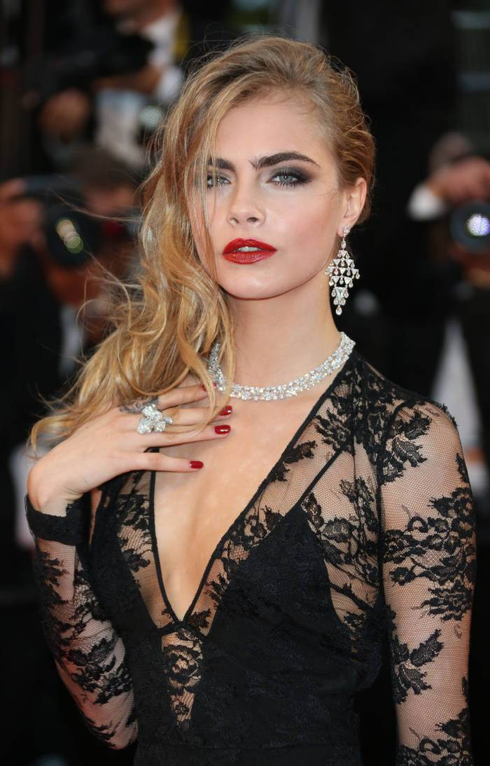 Cara Delevingne light red hairstyles 2015