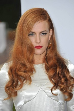 Riley Keough red hairstyles 2015