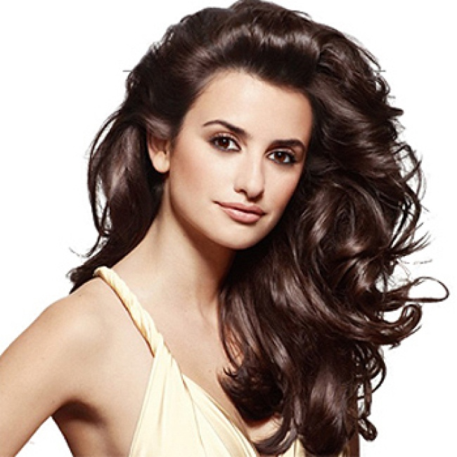 Penelope Cruz Long Brunette Hairstyles 2015