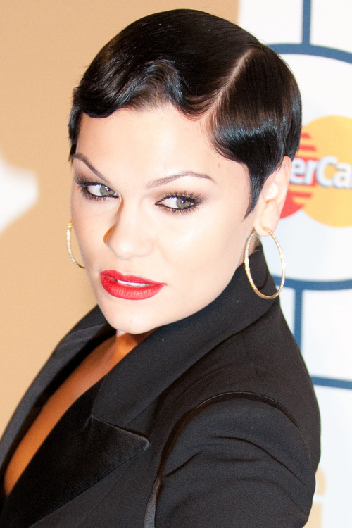Jessie J short hairstyles with bangs 2015