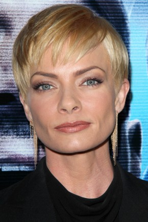 Jaime Pressly short hairstyles with bangs 2015