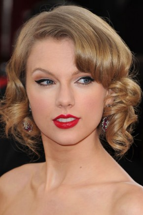 Taylor Swift Retro Hairstyles 2015