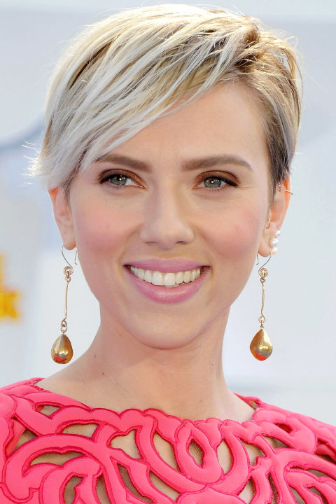Scarlett Johansson celebrity summer hairstyles 2015