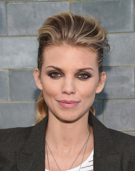 AnnaLynne McCord Ponytail Hairstyles For Work
