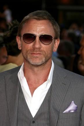Daniel Craig mens hairstyles 2015