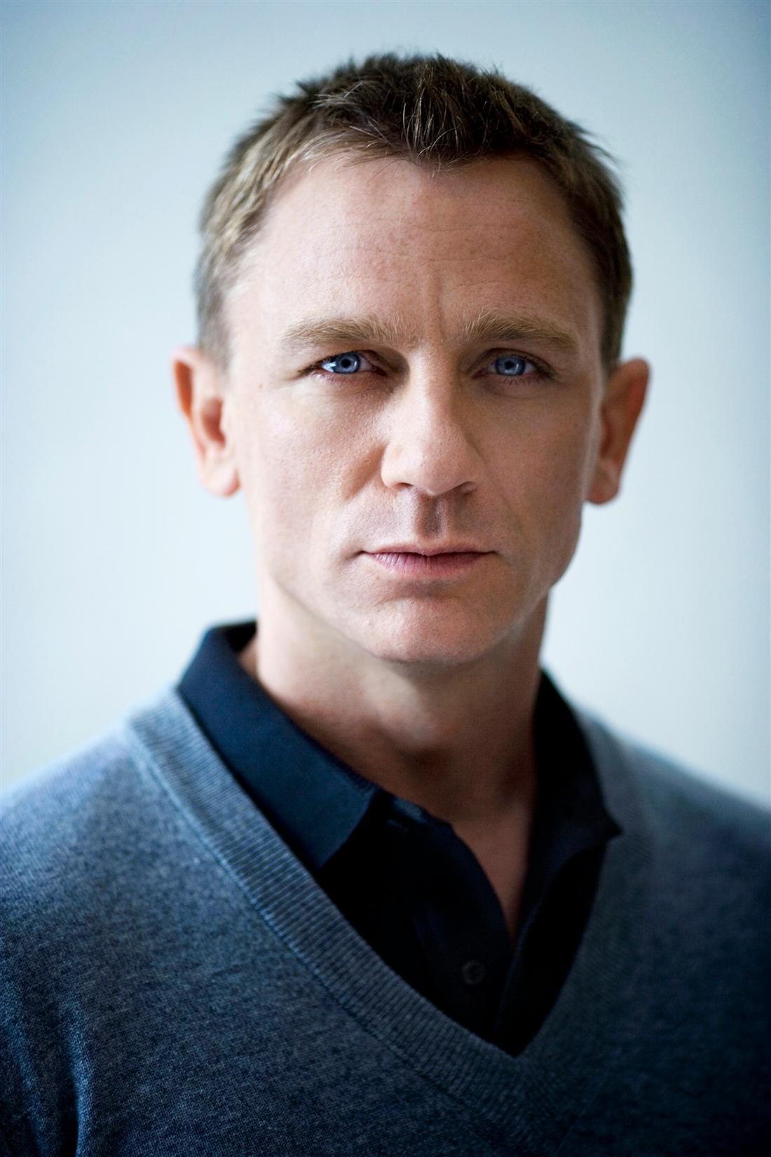 Virile James Bond Hairstyles for Men | Hairstyles 2017 ...