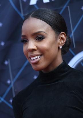 Kelly Rowland BET awards 2015 hairstyles